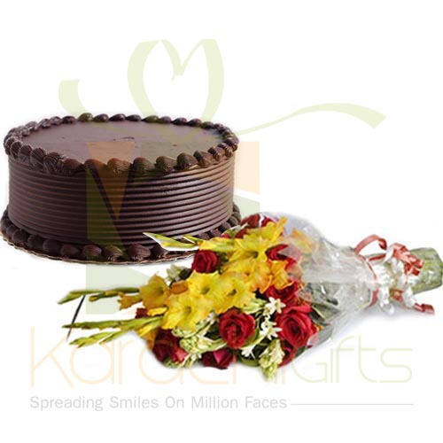 Choco Chip Cake With Small Bouquet