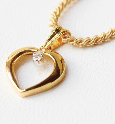 Heart Locket (Golden) with Chain
