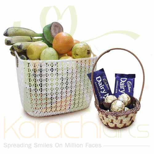 Fruits With Small Choc Basket