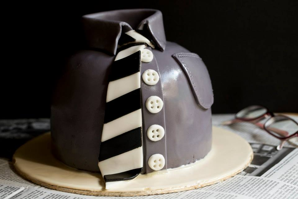 All Tied Up Cake (4lbs)