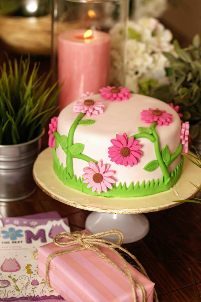 Pink Daisies Cake (4lbs)