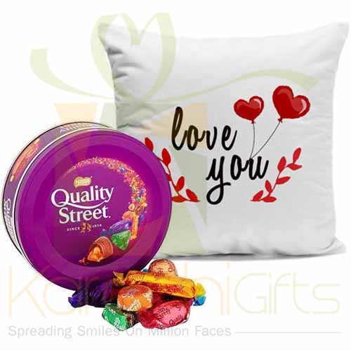 Love Combo (Cushion And Chocs)