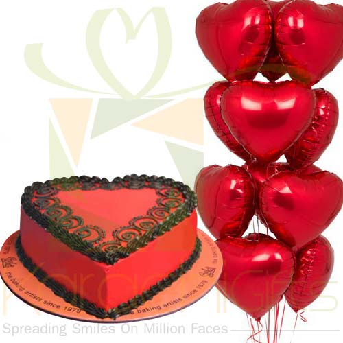 Heart Ballons With Heart Cake