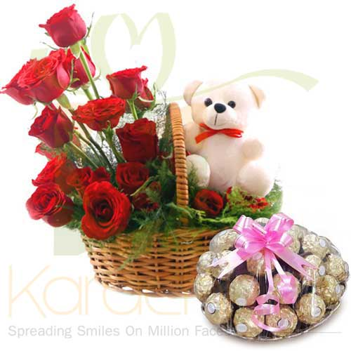 Teddy Rose Basket With Rocher Tray