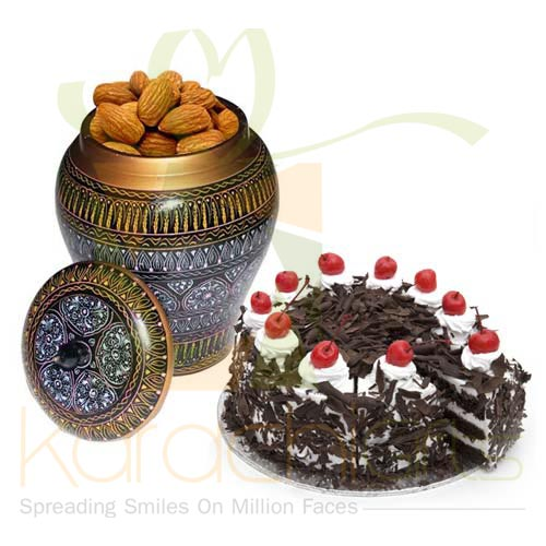 Cake With Almond Pot